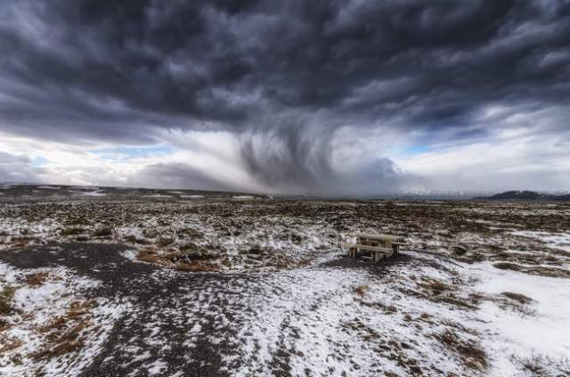 focused_179051912-stock-photo-iceland-bench-snow-storm-picnic.jpg